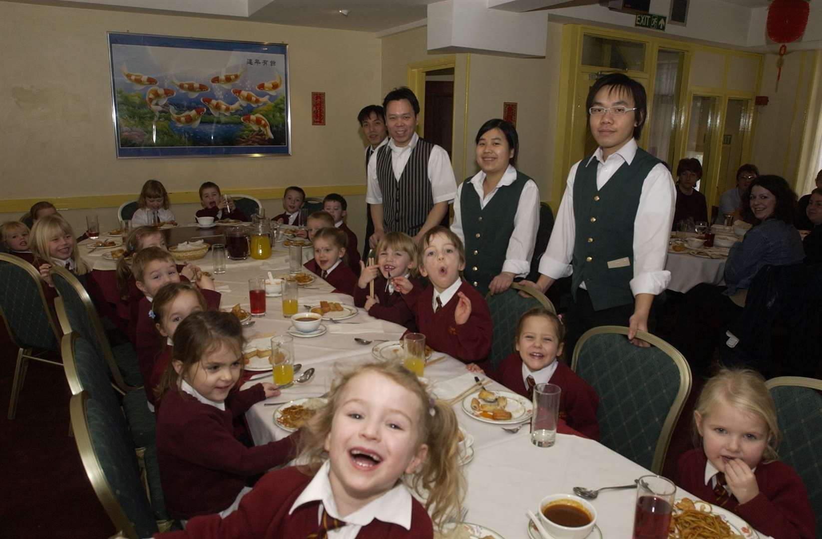 Charlton Primary Pupils with staff at The New Moon Flower Chinese restaurant - back in 2006!