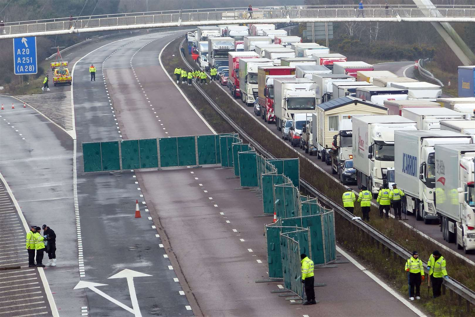 Police on the M20 where Dominique Worrall's body was found (1023566)