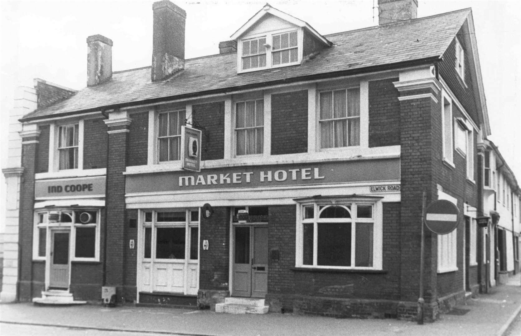 The Market Hotel in Ashford, pictured May 1975. Picture: Images of Ashford by Mike Bennett