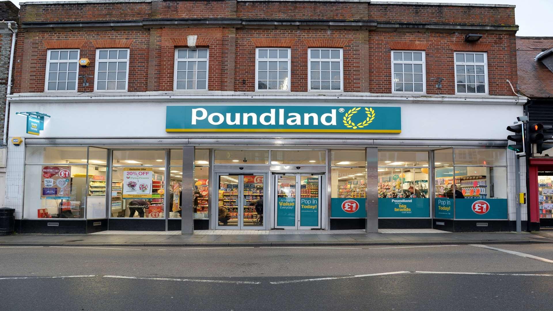 Poundland Opens In Sevenoaks High Street