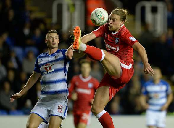 Gills striker Tom Eaves in action at Reading Picture: Ady Kerry