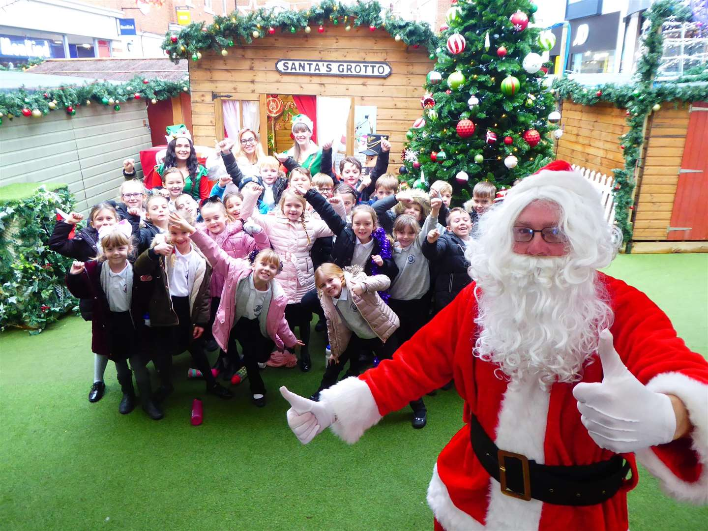 Santa meets Truro Class from Herne CofE Juniors at Whitefriars' Christmas Market.