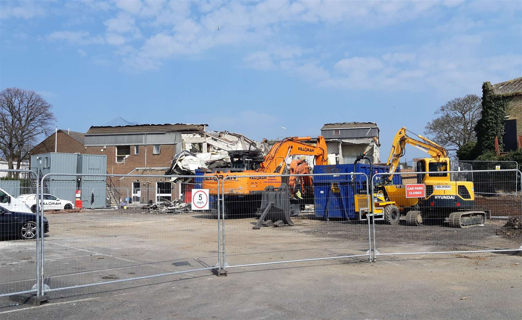 Aldi was forced to stop demolition but have now started work again