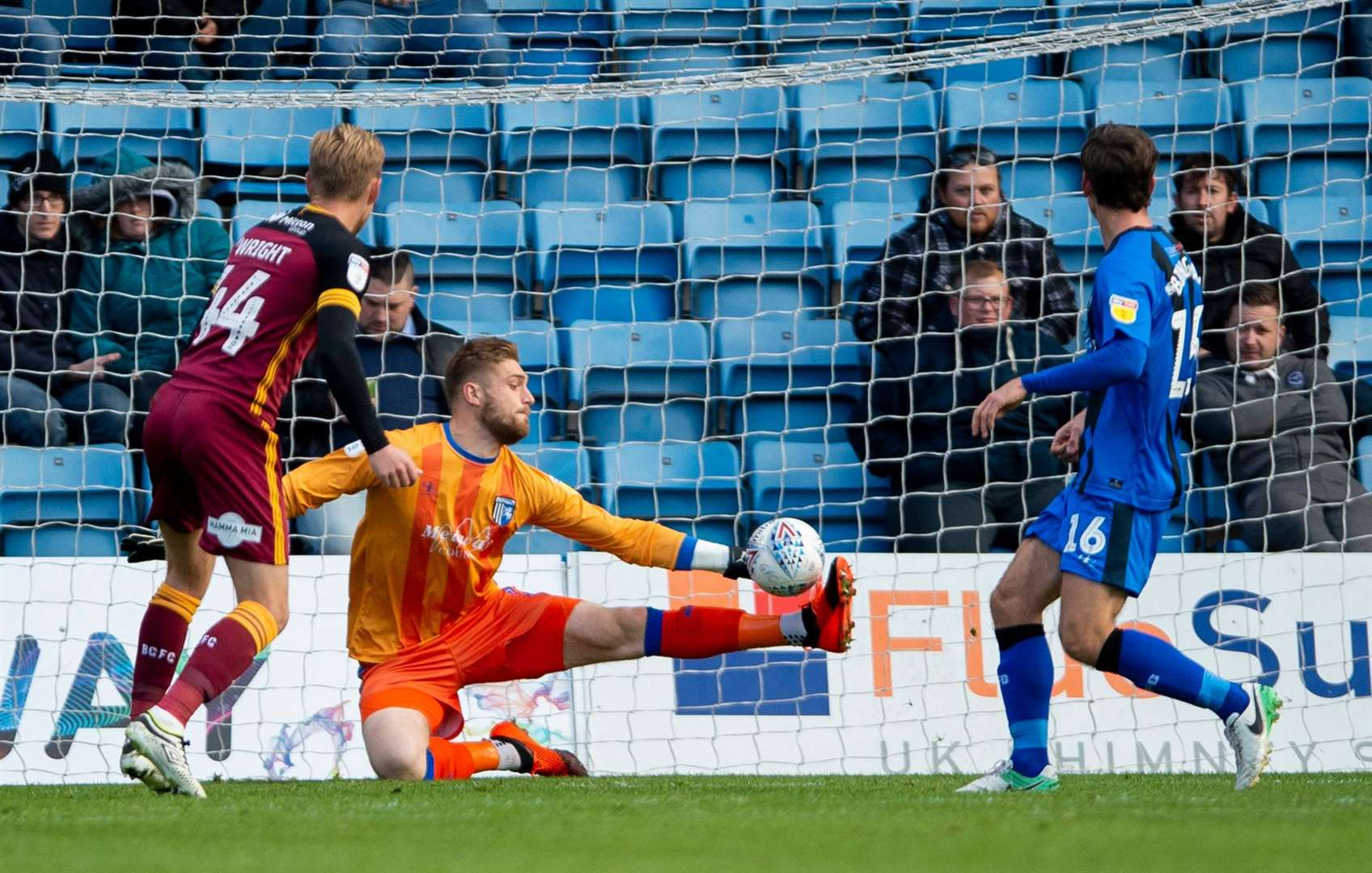 Tomas Holy makes a saves from Bradford's Josh Wright at Priestfield Picture: Ady Kerry