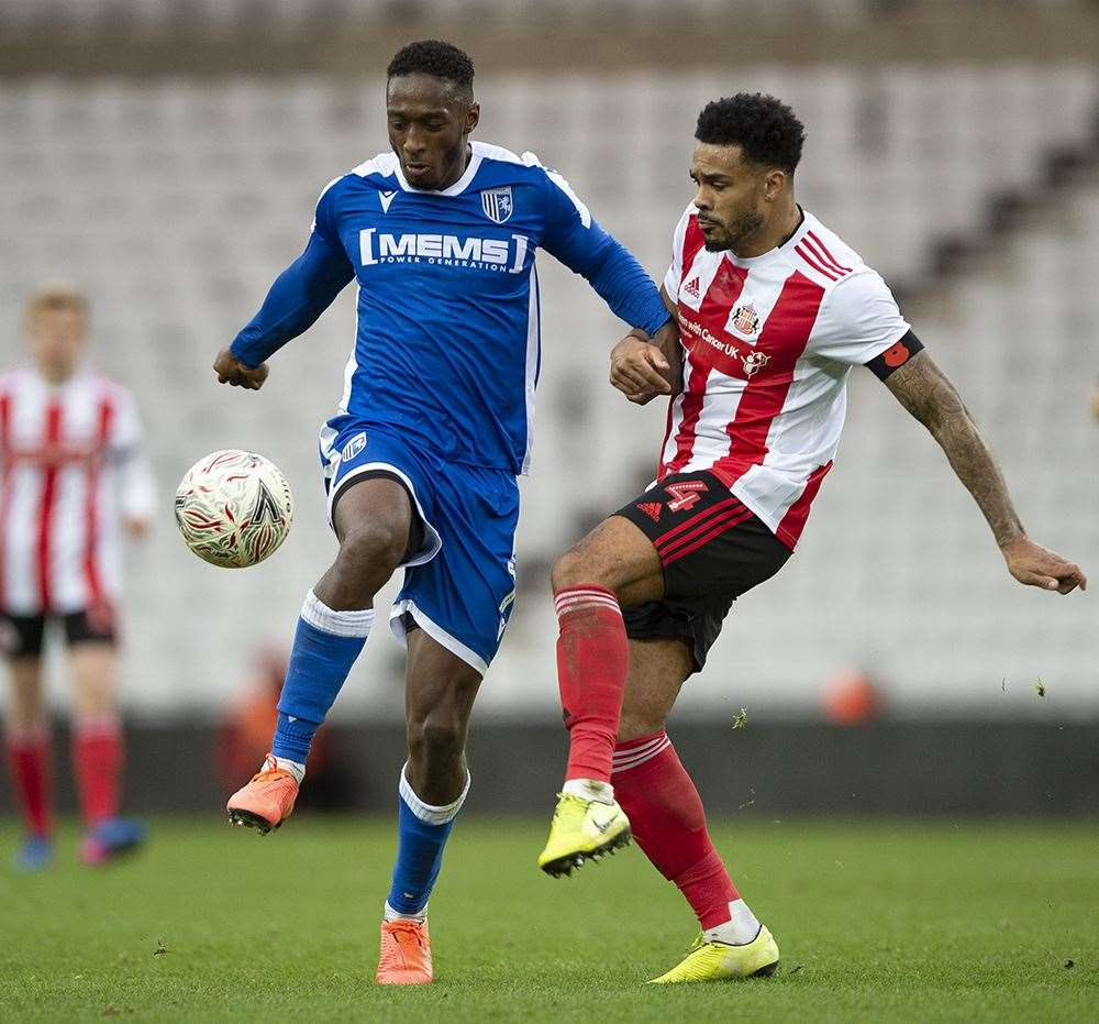 Brandon Hanlan on the ball for the Gills at Sunderland Picture: Ady Kerry (21252990)