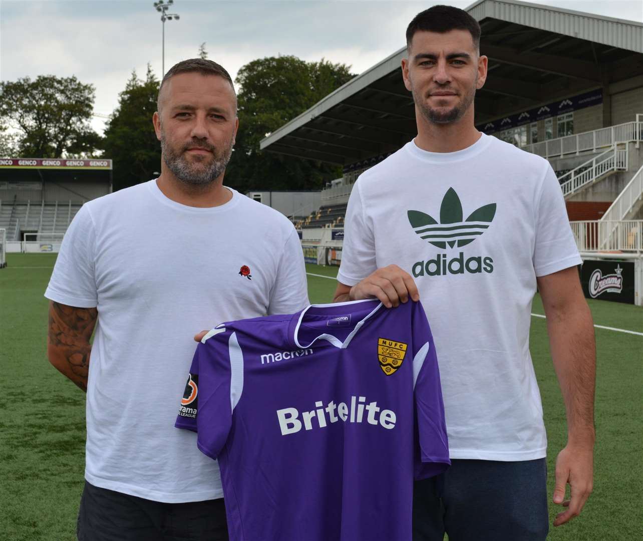 Jay Saunders with new signing Joe Quigley