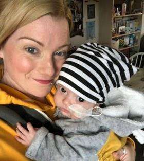 Mum Kelly Williams with Logan (5408572)