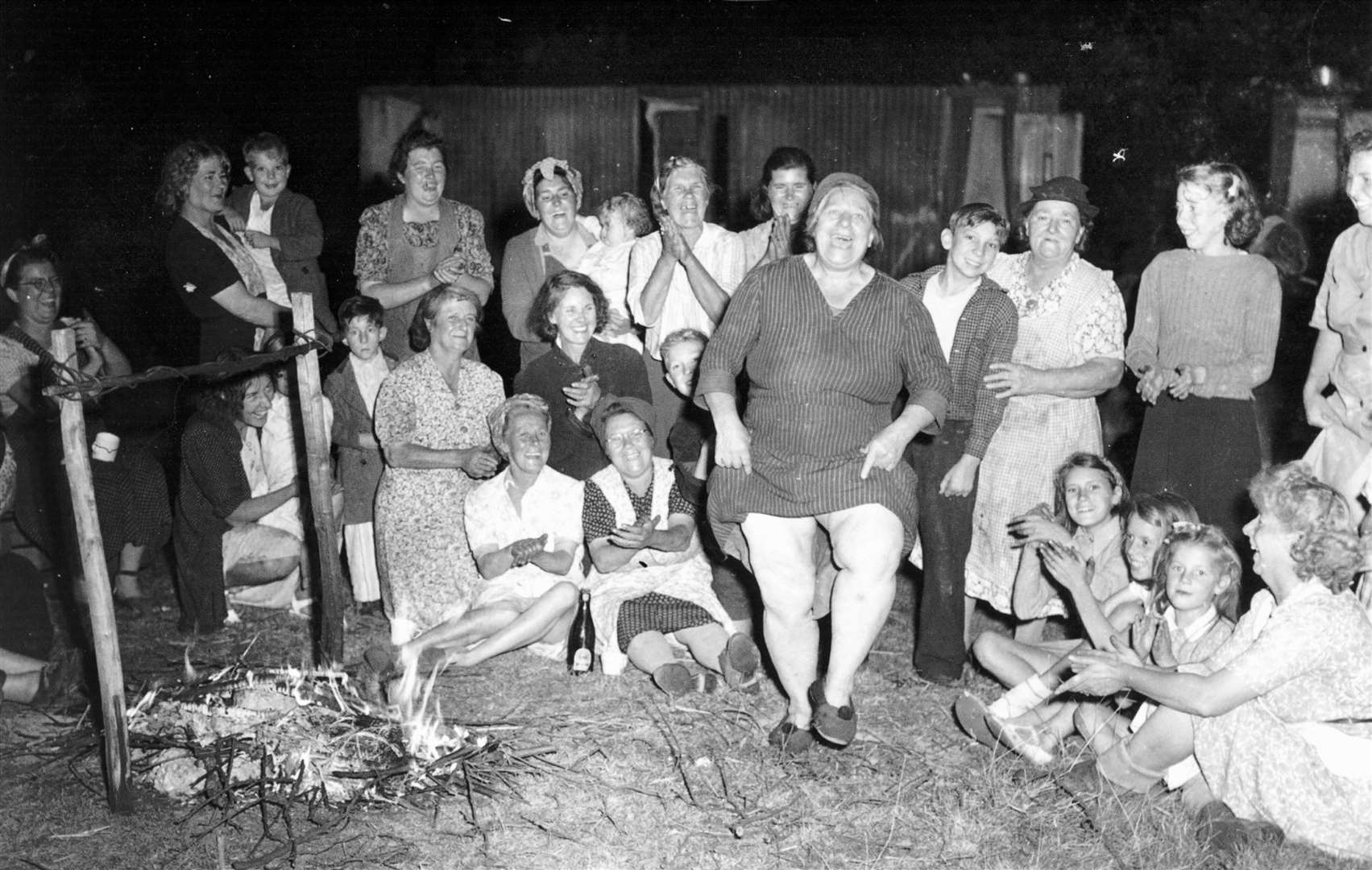 Hop picking camp at Biddenden in 1949. Picture: Countrywide Photographic