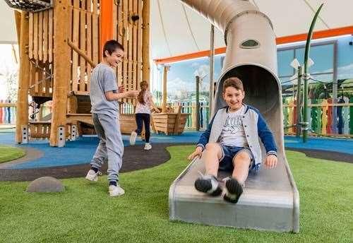 Ashford designer outlet opens playground for Design on line outlet