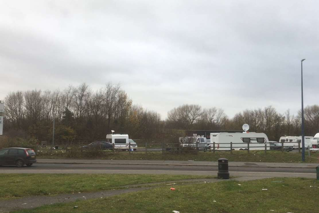 Travellers set up camp on land in Valley Drive, Gravesend