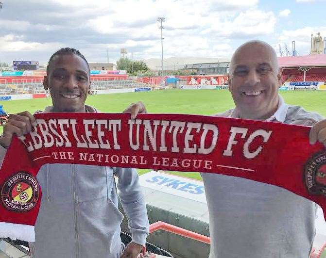 New Fleet signing Aswad Thomas with manager Garry Hill