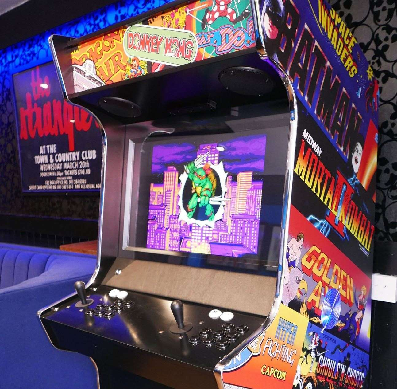 The Lady Luck has a retro arcade machine which is free to play