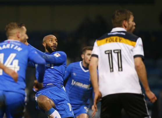 Josh Parker watches his header hit the net Picture: Andy Jones