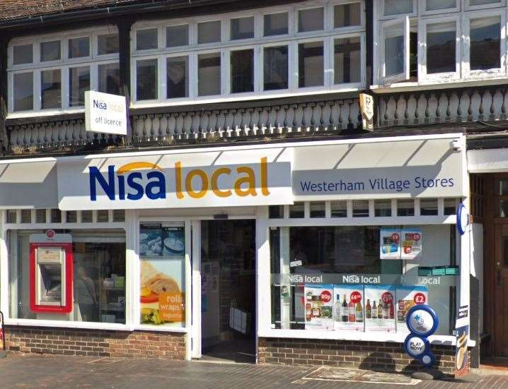 The Nisa Local in Market Square, Westerham, was targeted by thieves overnight (14836295)
