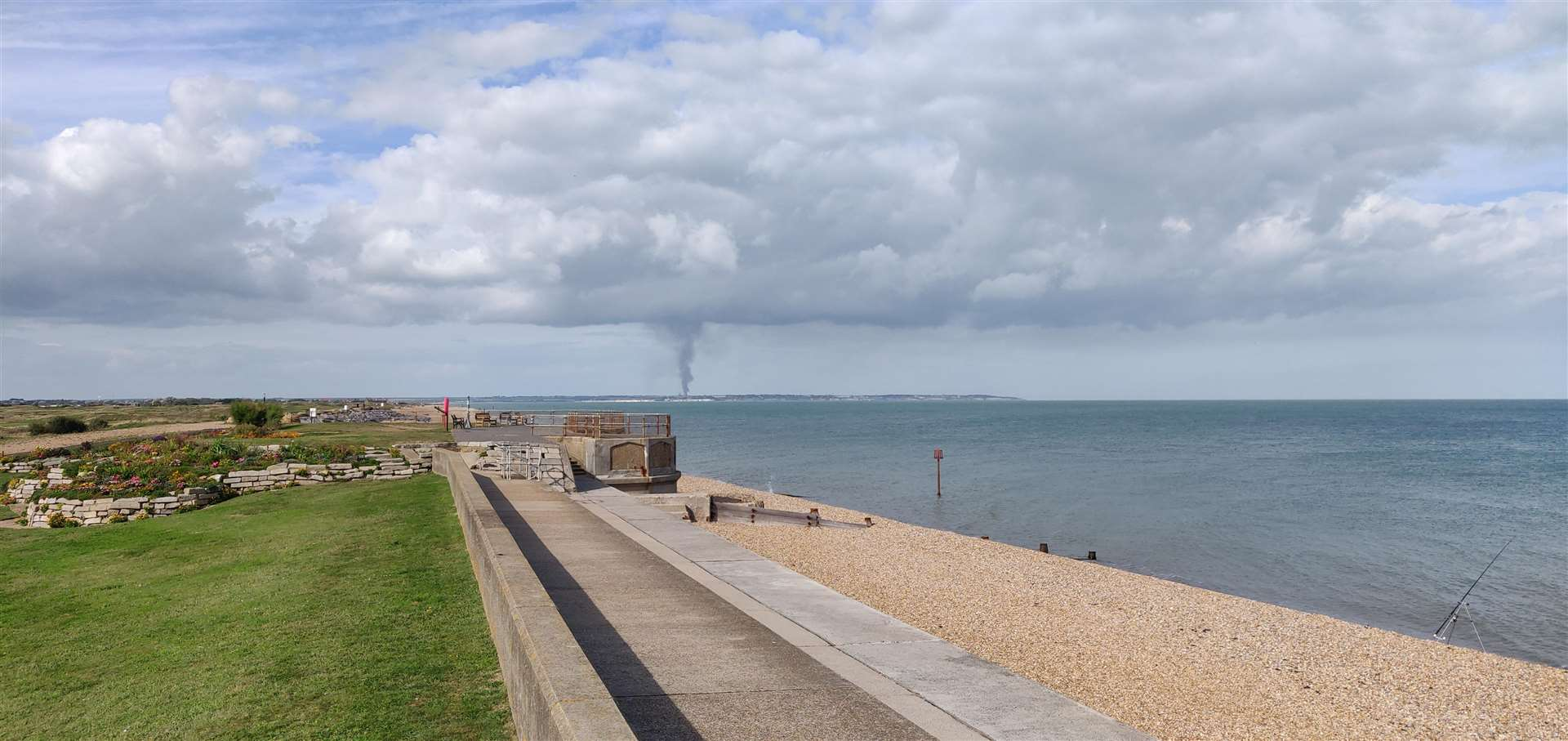 Smoke - The plume could be seen from Deal (4189561)