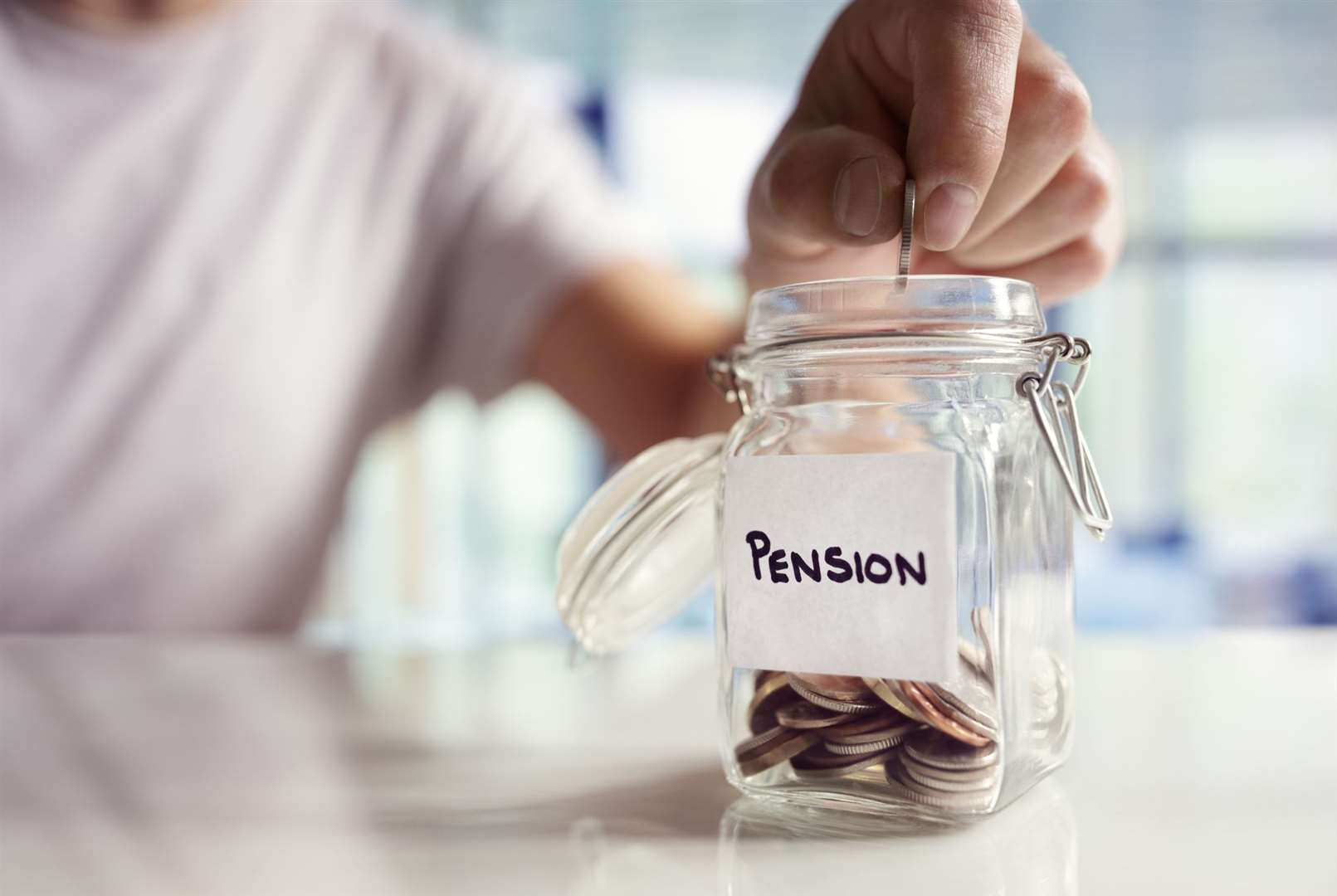 Retirement saving and pension planning. (11727080)