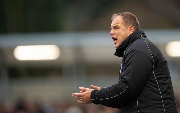 Gills boss Steve Lovell encourages his men on at Slough Picture: Ady Kerry (5727803)