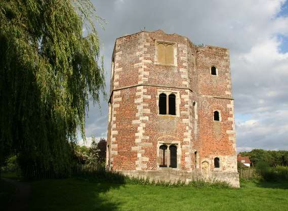 Otford Palace Tower before scaffolding was erected