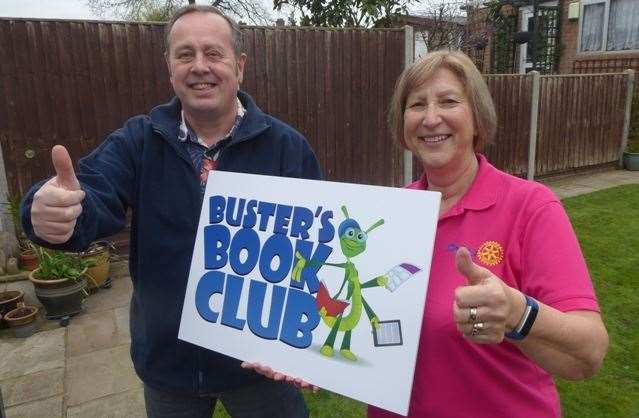 Paul Sutton and Hazel Sheehan of Strood Rotary (8020077)
