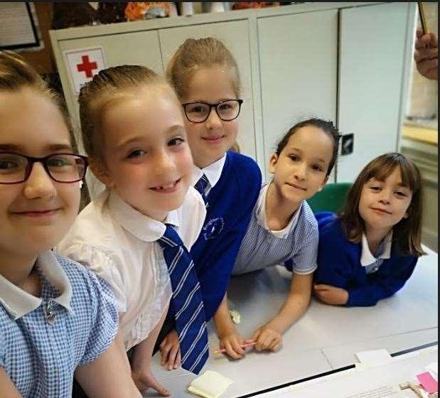 Te dzieci ze szkoły podstawowej w Boughton Monchelsea udzieliły rad, co robić na nowym placu zabaw