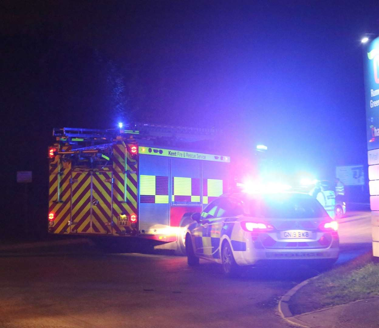 Emergency services at the chemical leak in Maidstone. Pictures: UK News in Pictures (21047118)