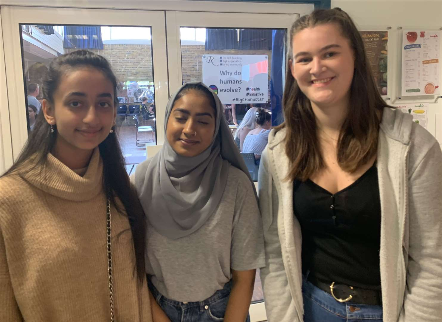 Rainham School for Girls' pupils Zoya Khan, Sameeha Begum and Chloe Dower with their GCSE results (15594796)