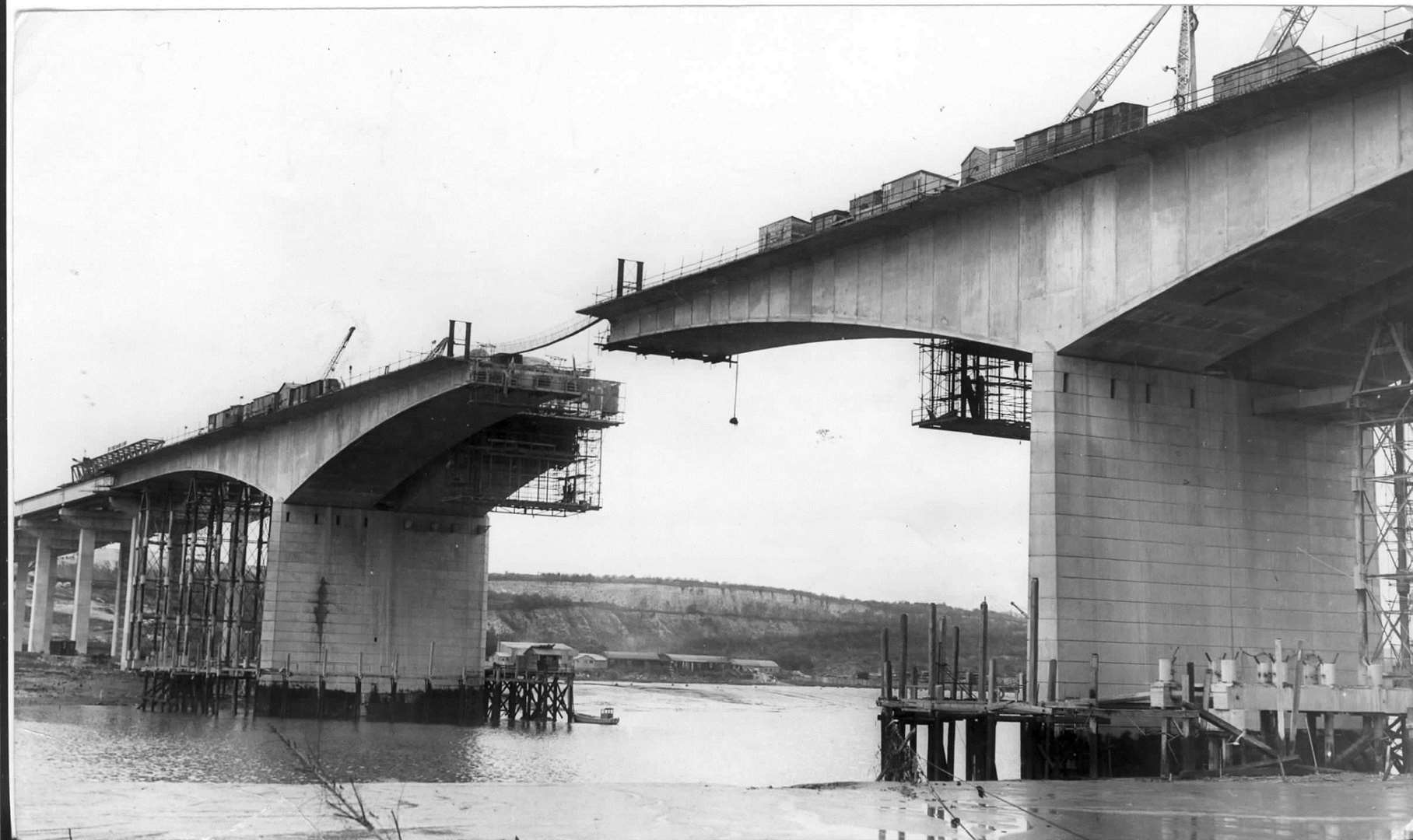 The New Medway Bridge under construction in November 1962