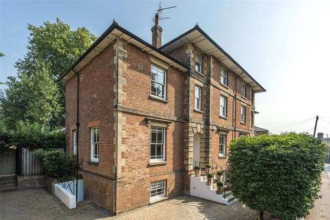 Eight-bed detached house in Bordyke. Picture: Zoopla / Humberts