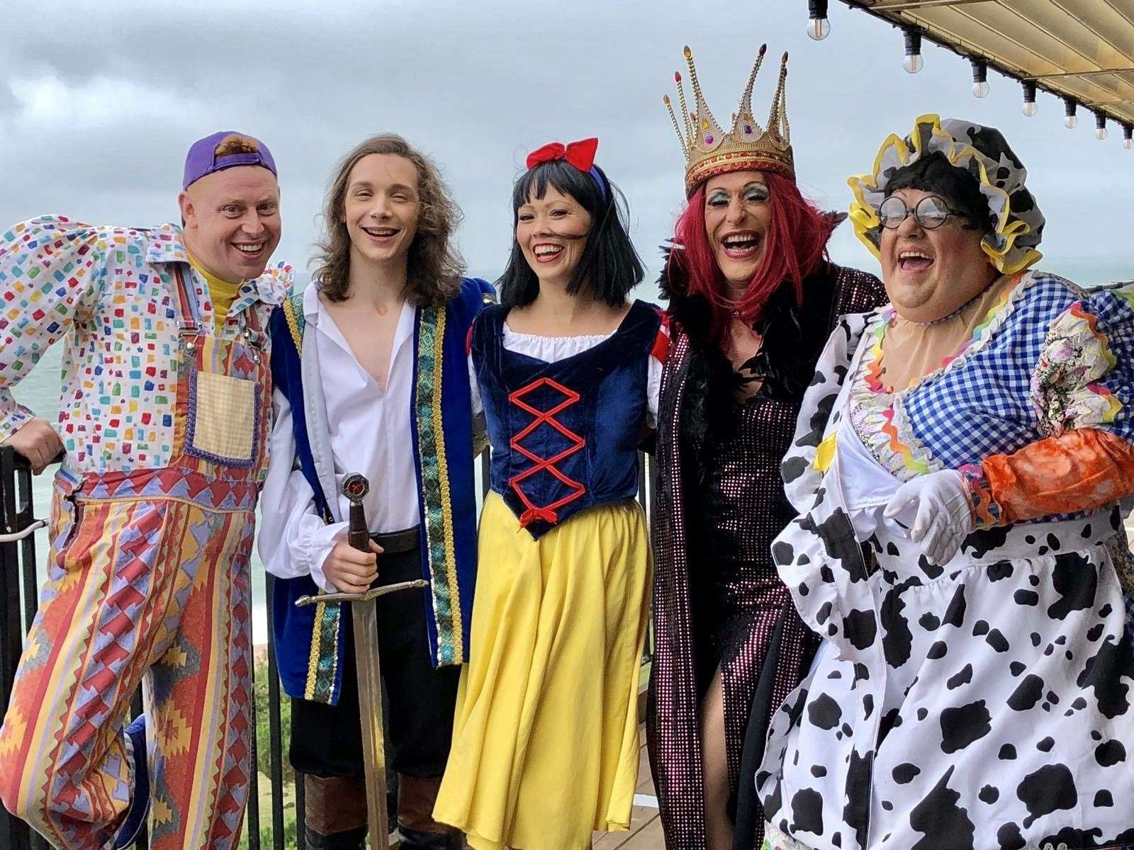 Stars of Folkestone's panto, Snow White and the Seven Dwarfs, will perform at the light turn on tonight