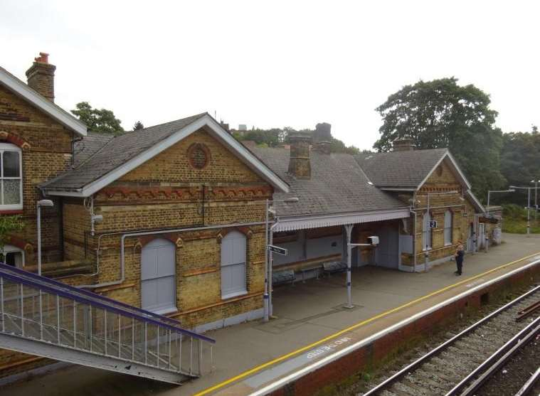 Bat and Ball railway station