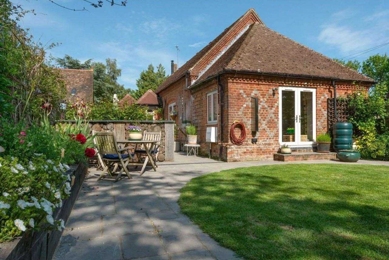 The three-bed detached bungalow in Kennington. Picture: Zoopla / Winkworth - Canterbury