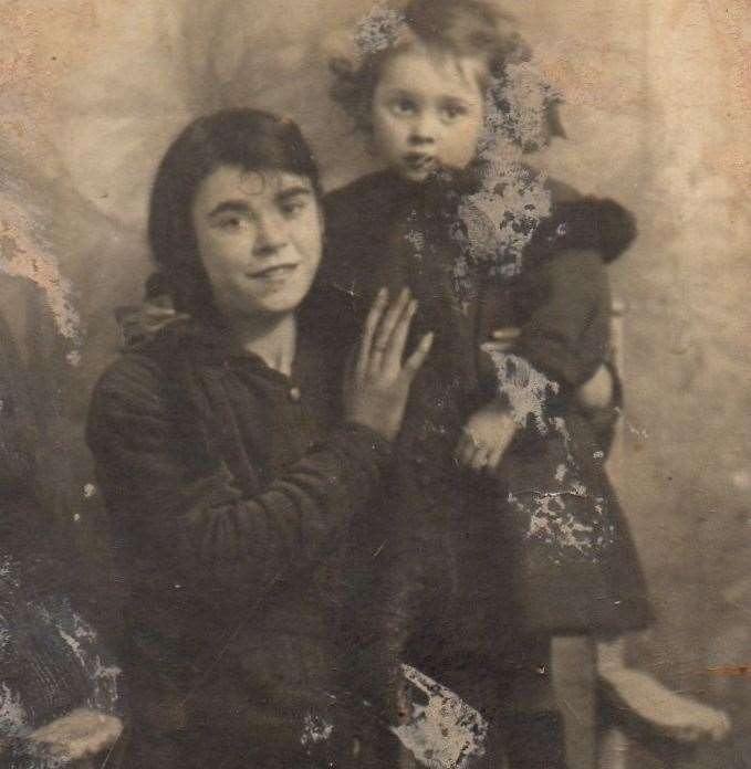 A very young Lena Kennedy with her aunt Mary, who later became a welcome visitor to the Cliffe Woods shack. Submitted (18668617)