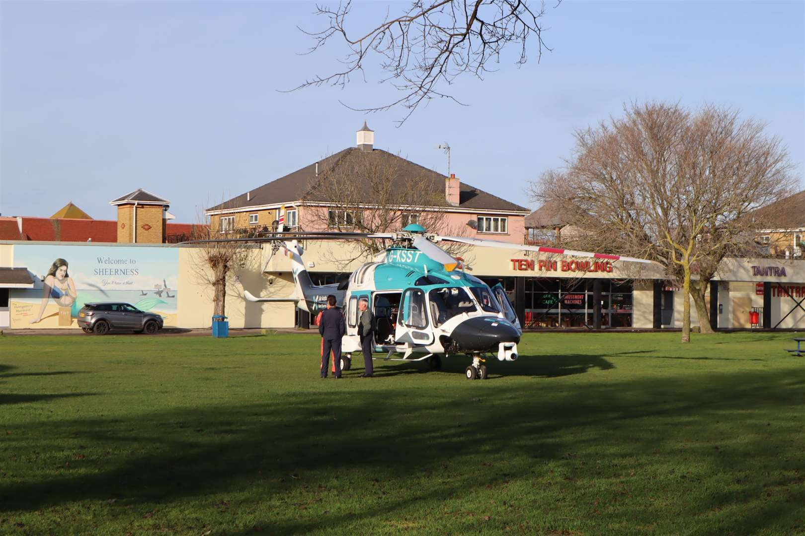 Air ambulance at Beachfields, Sheerness (24593721)