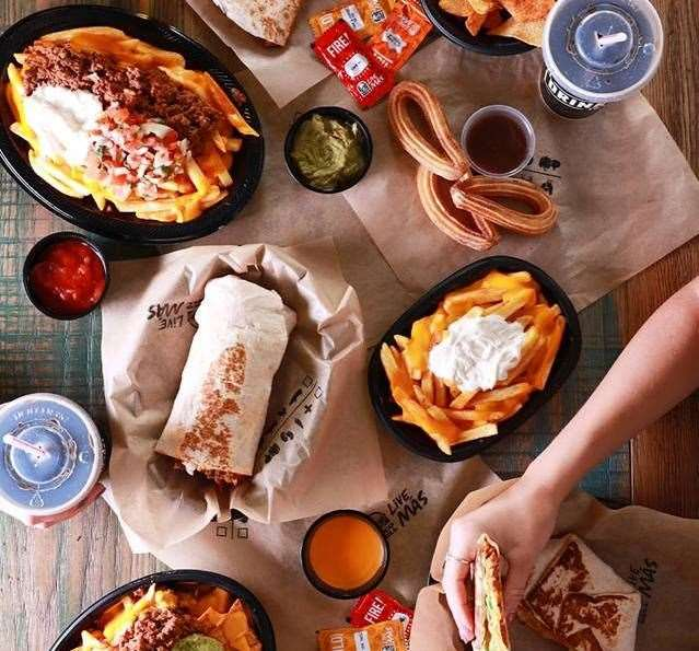 Taco Bell services a range of Mexican foods to eat in and takeaway (10299834)