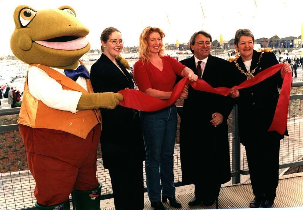 Celebrity gardener Charlie Dimmock at the opening ceremony of the outlet in March 2000