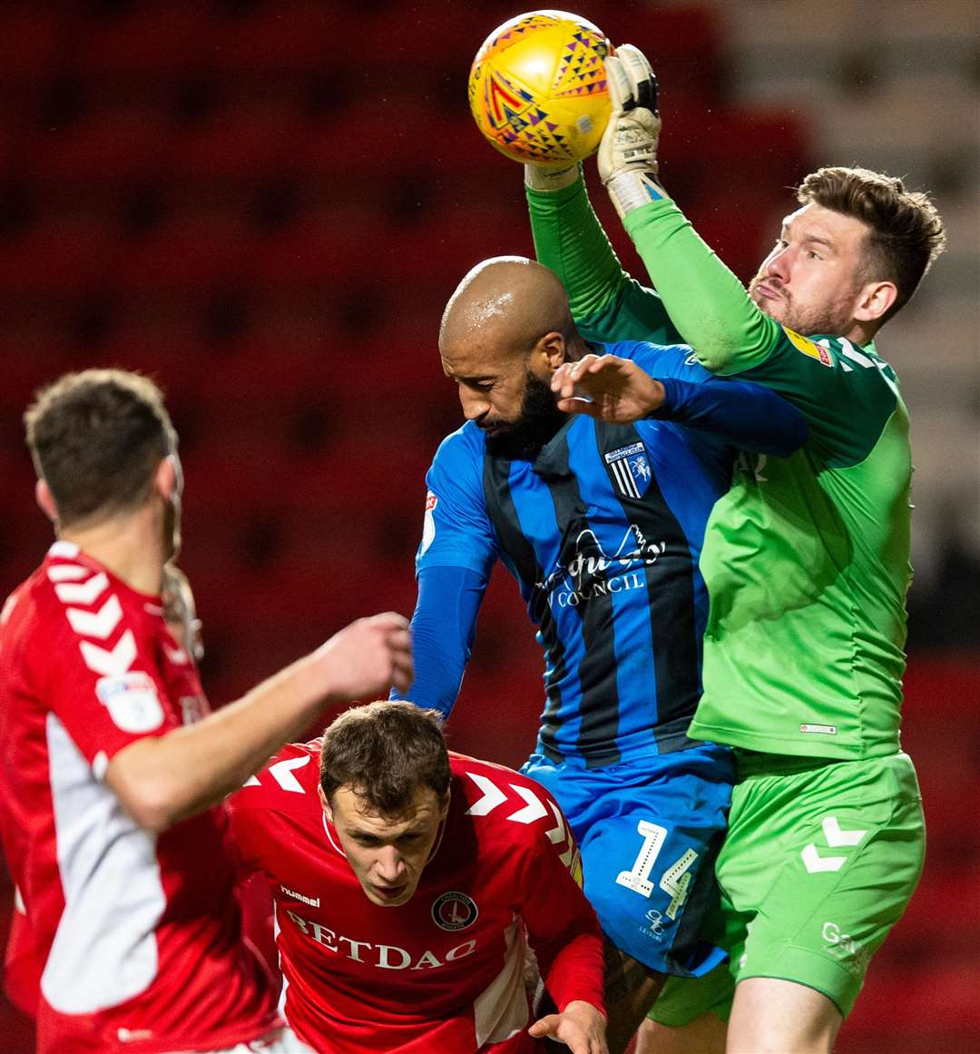 Josh Parker puts Jed Steer under pressure at a corner Picture: Ady Kerry