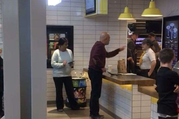A man showed his anger when McDonald's got his and his family's order wrong twice (7818474)