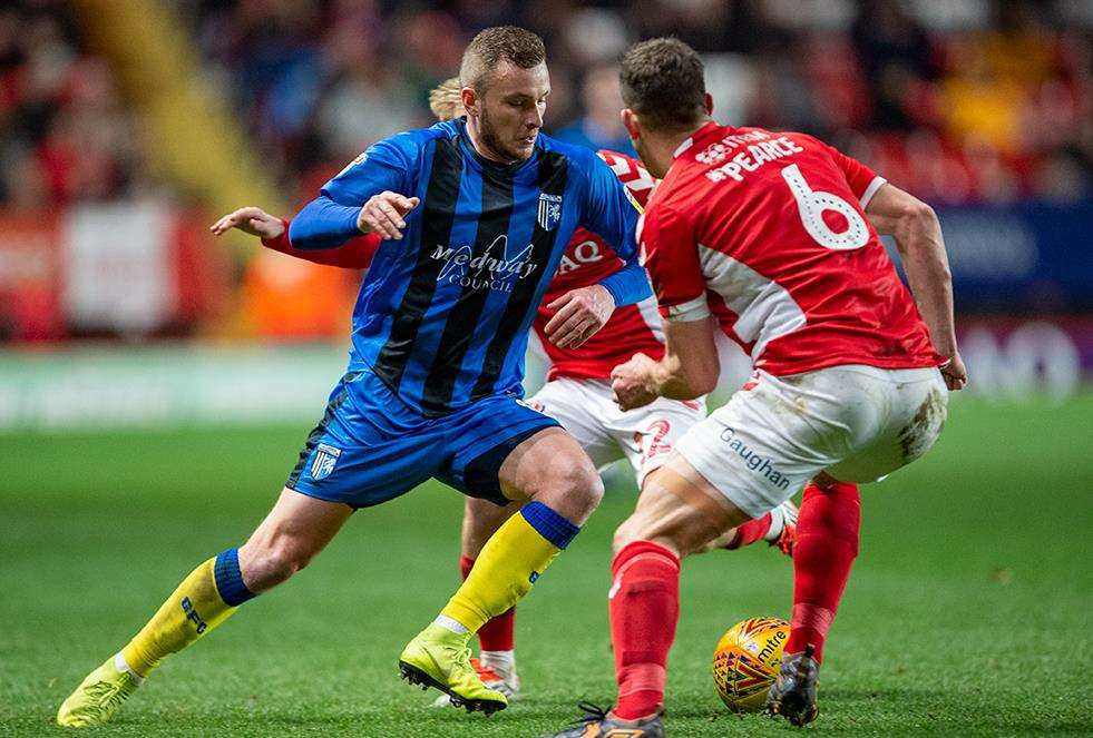 Charlton v Gillingham match action Picture: Ady Kerry (6191836)