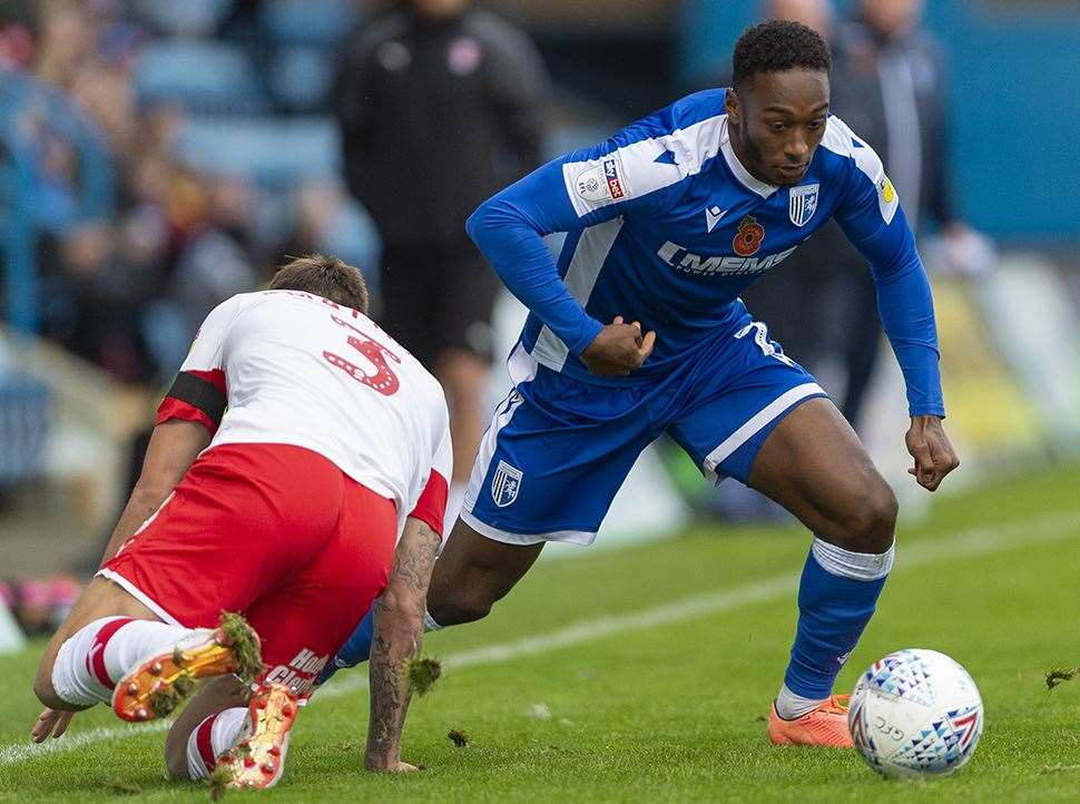 Brandon Hanlan in action for Gillingham against Rotherham Picture: Ady Kerry (20698375)