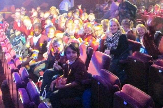 Pupils from Lunsford Primary School's Lion Class at the Hazlitt Theatre (24513831)