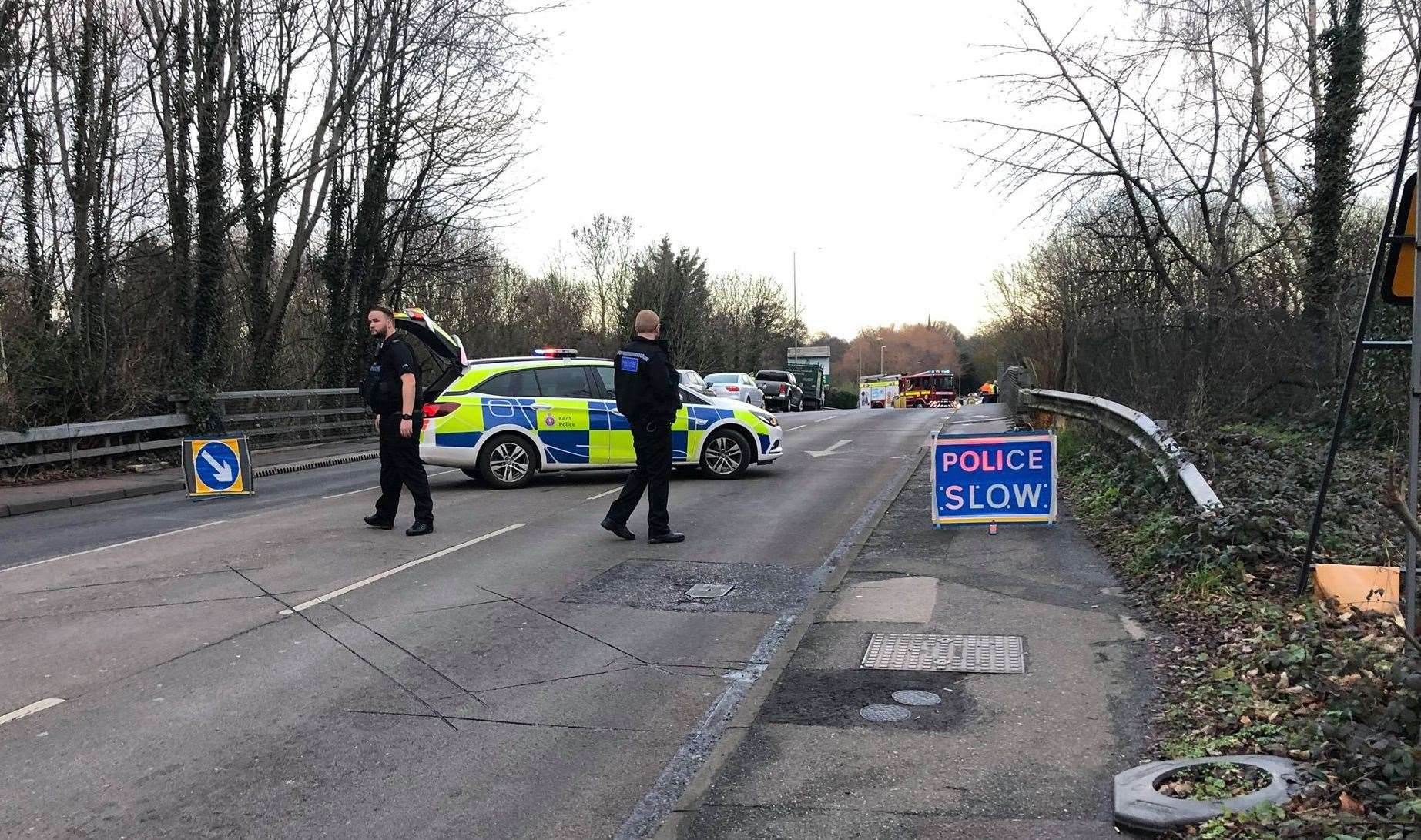 Police stopped drivers going over Canterbury Road bridge