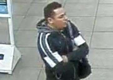 Police want to speak to this man after two girls were sexually assaulted at Sevenoaks train station (14855661)