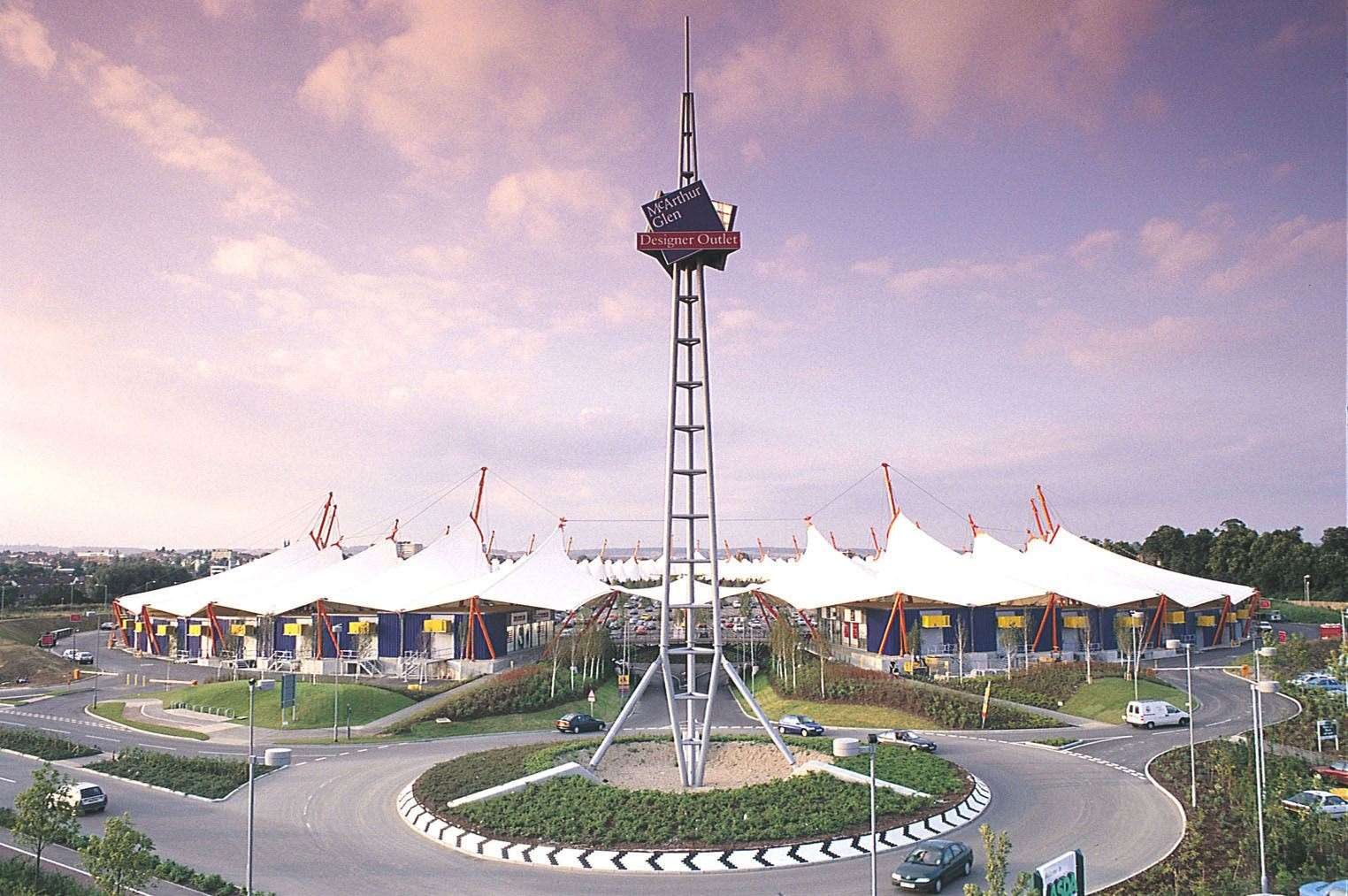 The Ashford Designer Outlet in March 2000 - just before it opened. Copyright: City Press Services Ltd