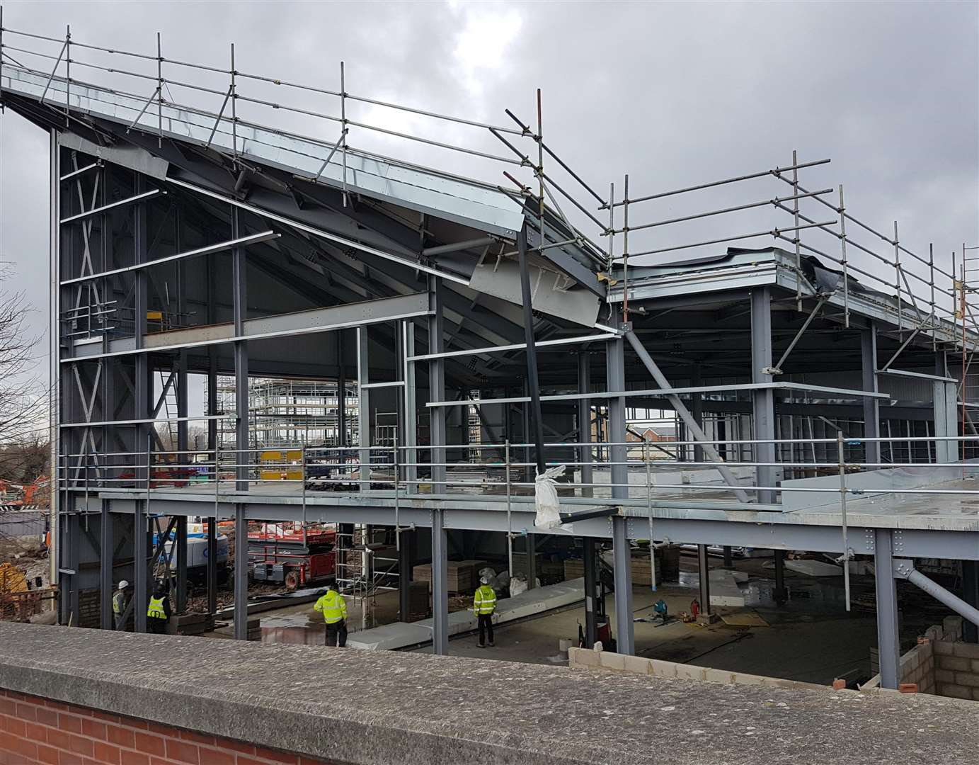 The building work is on track for completion by the end of March. (5708484)