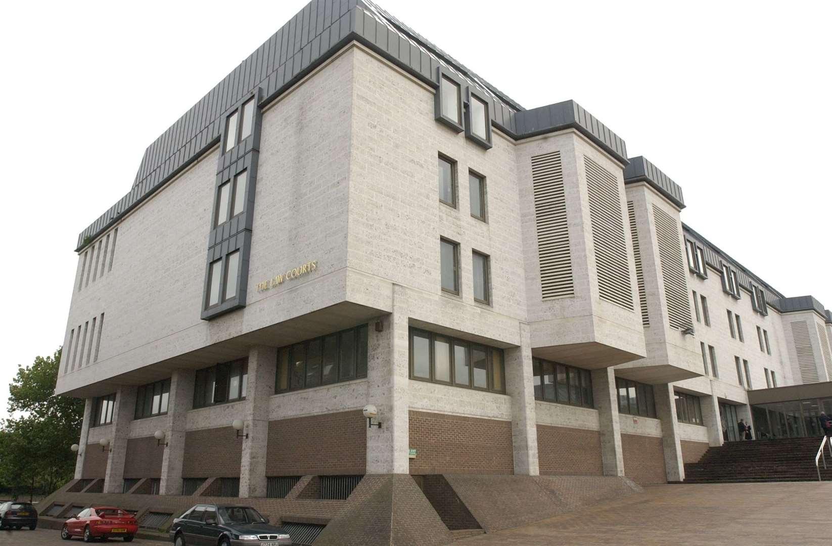 Гергоф се появи в съда на Краун в Мейдстоун