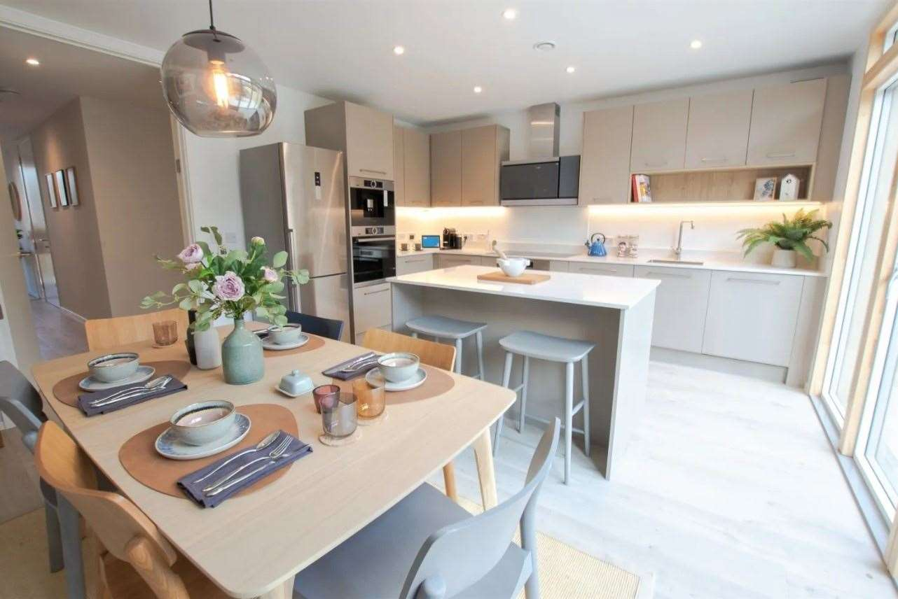 A look at the kitchen. Picture: Zoopla / Kitchener Barracks