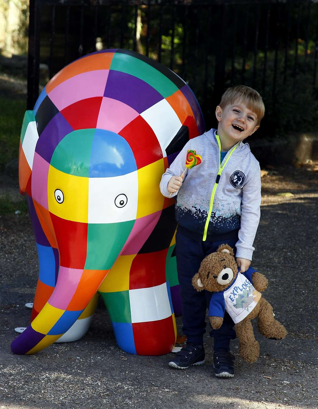 Luka Whatling 3 stops to hello to Elmer