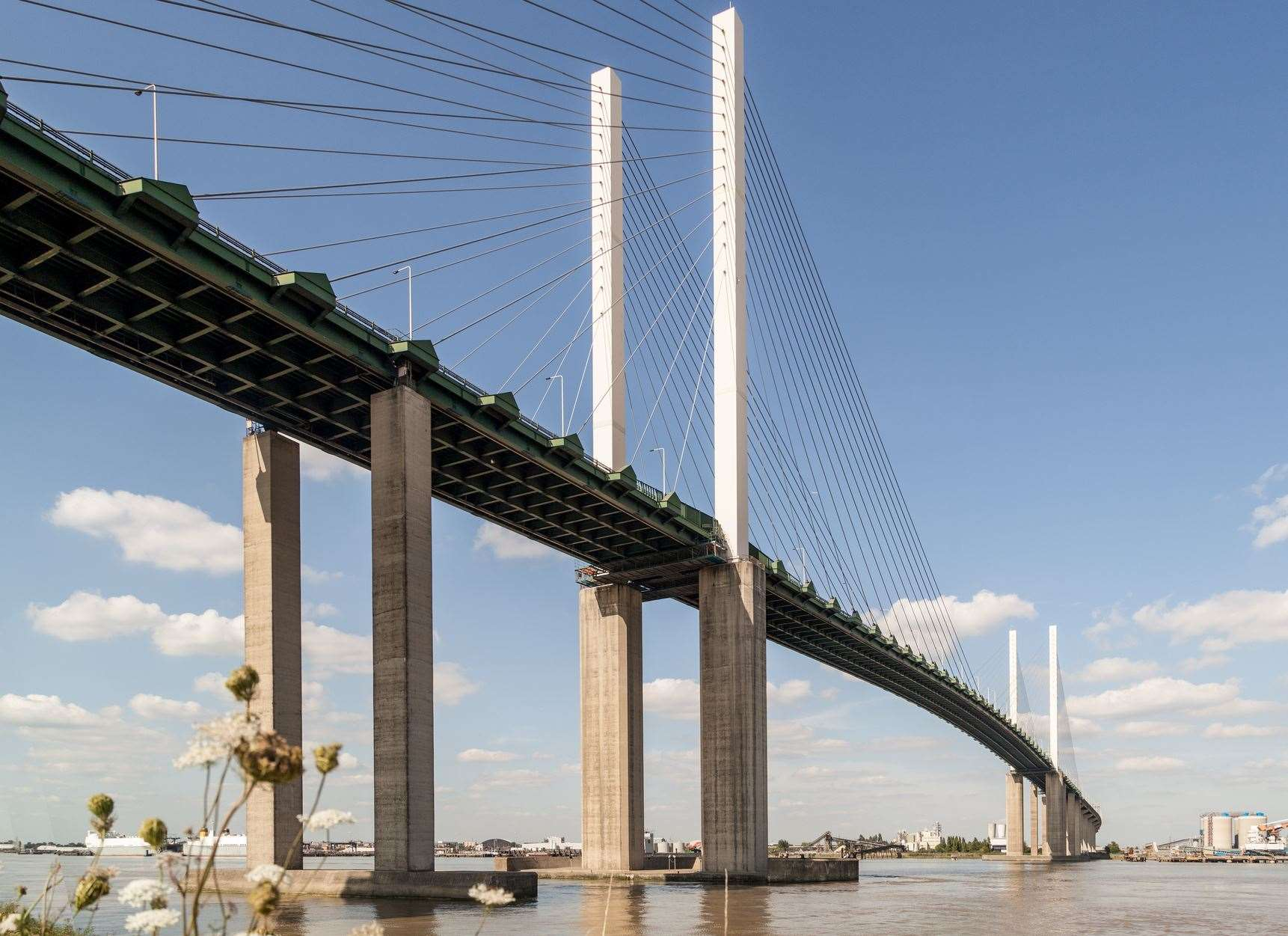 QEII Bridge over the River Thames. (10797399)