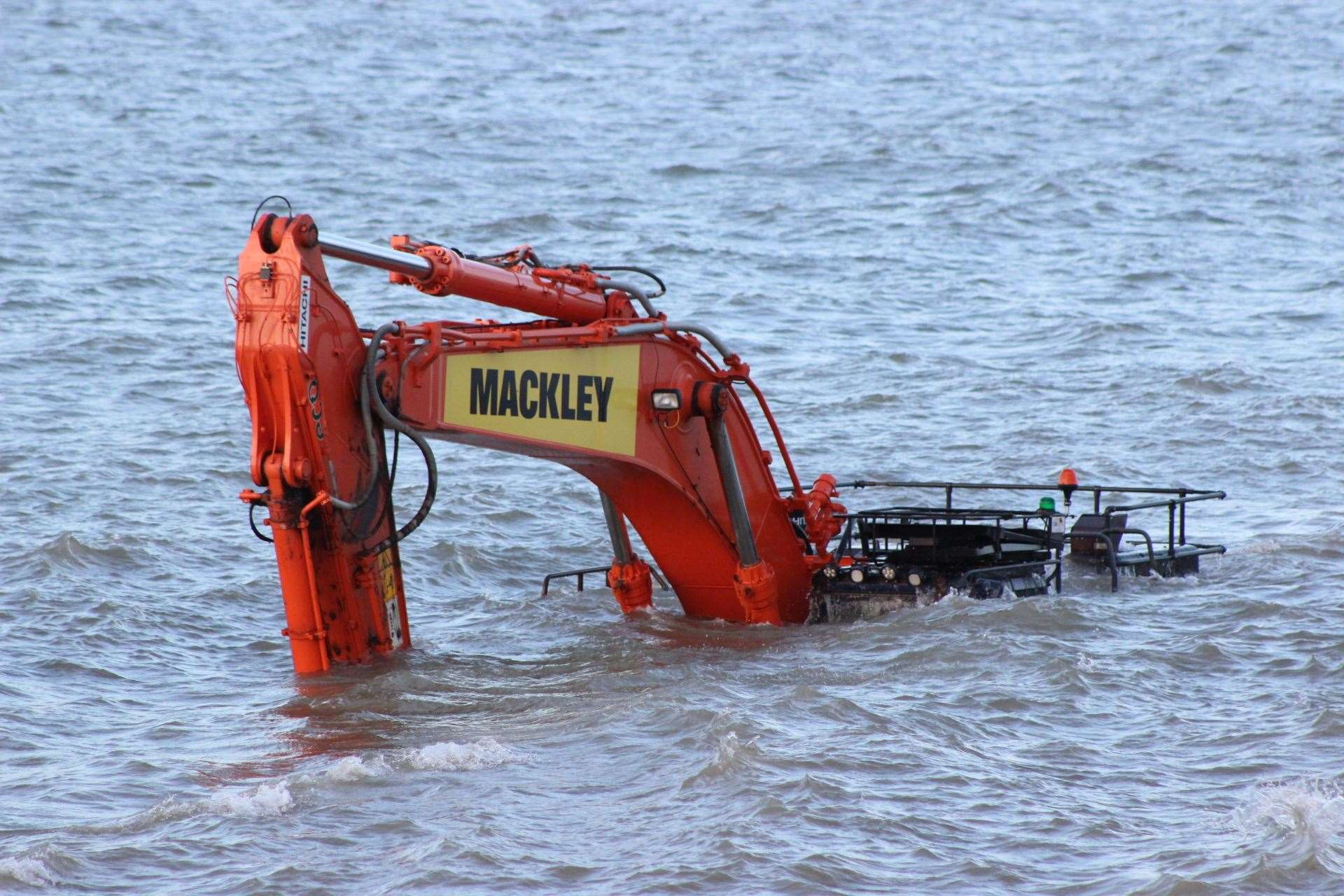 Digger trapped by the tide at Neptune's Jetty, Sheerness (7809686)