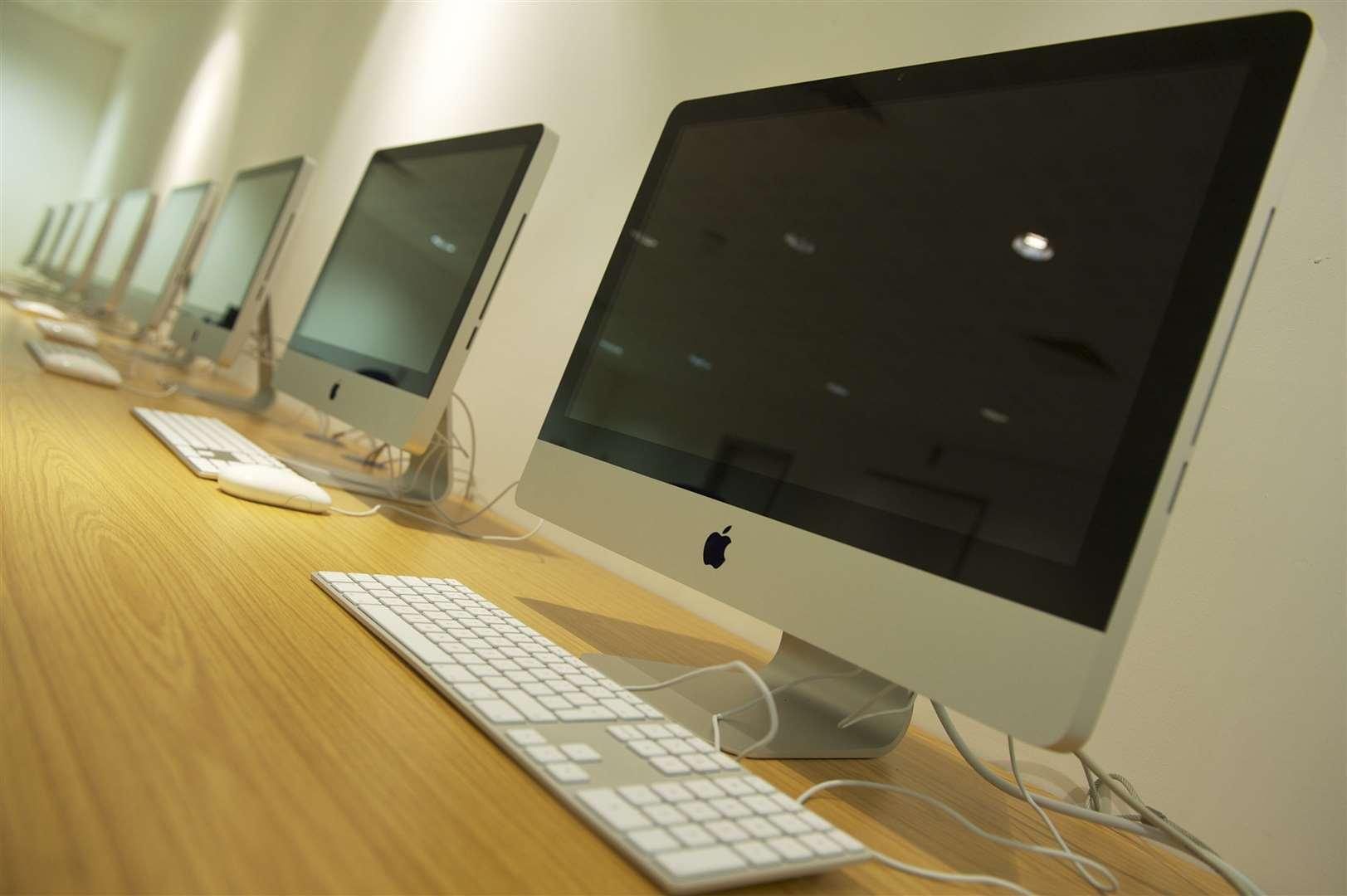 Компютрите на Apple също бяха откраднати, преди да бъдат доставени на клиентите